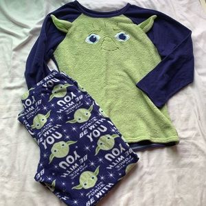 Star Wars Green & Blue Yoda Pajama Set Size Large